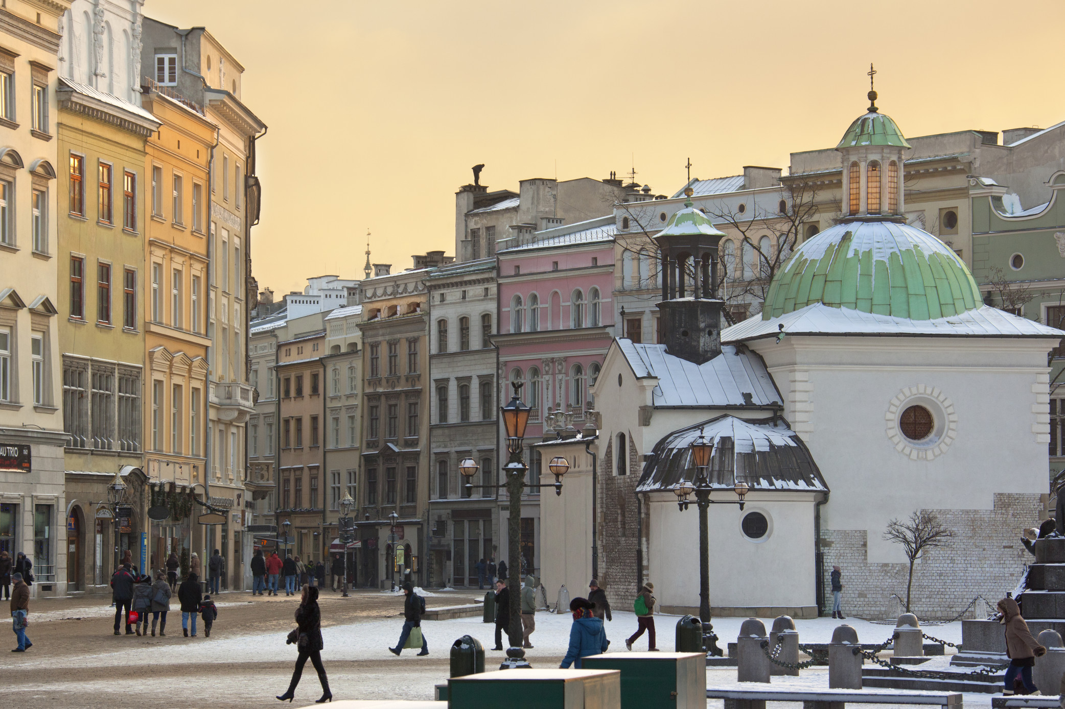 7 Reasons Why You Should Set Up A Subsidiary In Poland Instead Of Outsourcing